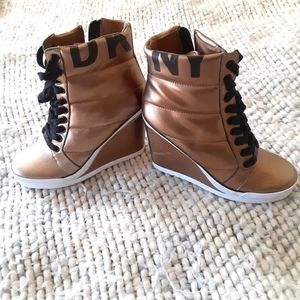 DKNY new gold leather boots, NEW!!